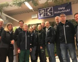 Nye skogbrukere blir rekruttert på vellykket utdanningsmesse på Storefjell i Hallingdal!